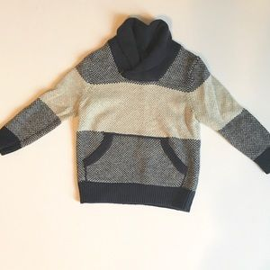 Beautiful boys size 3T sweater in EUC